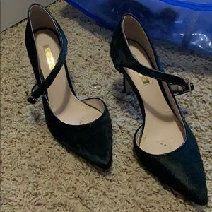 Pointy Toe Heels With Cutout